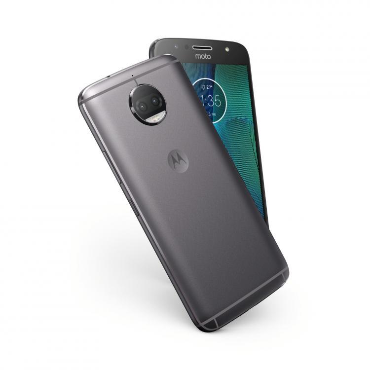 MotoG5sPlus_NFC_Insitu_LunarGryDv_Design.jpg