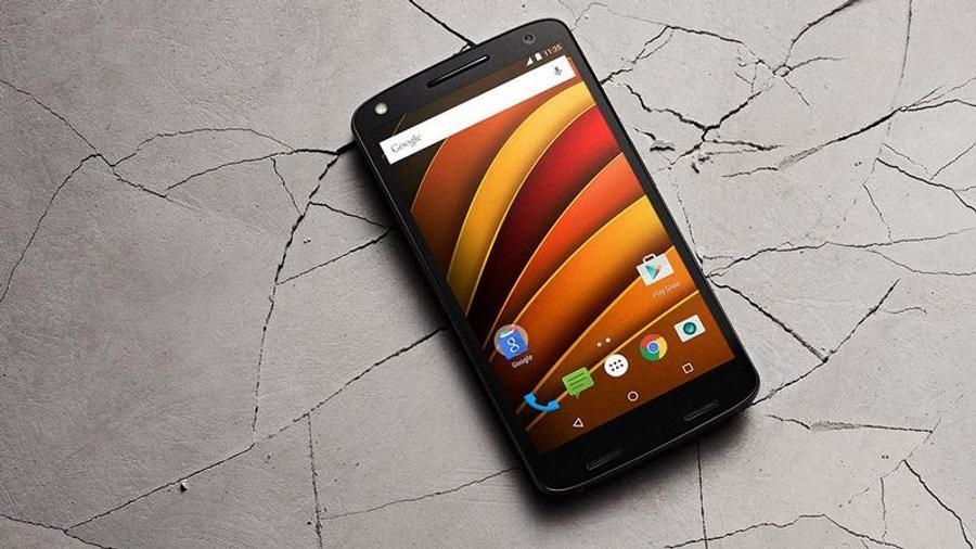 Moto одушевила смартфоны конкурентов